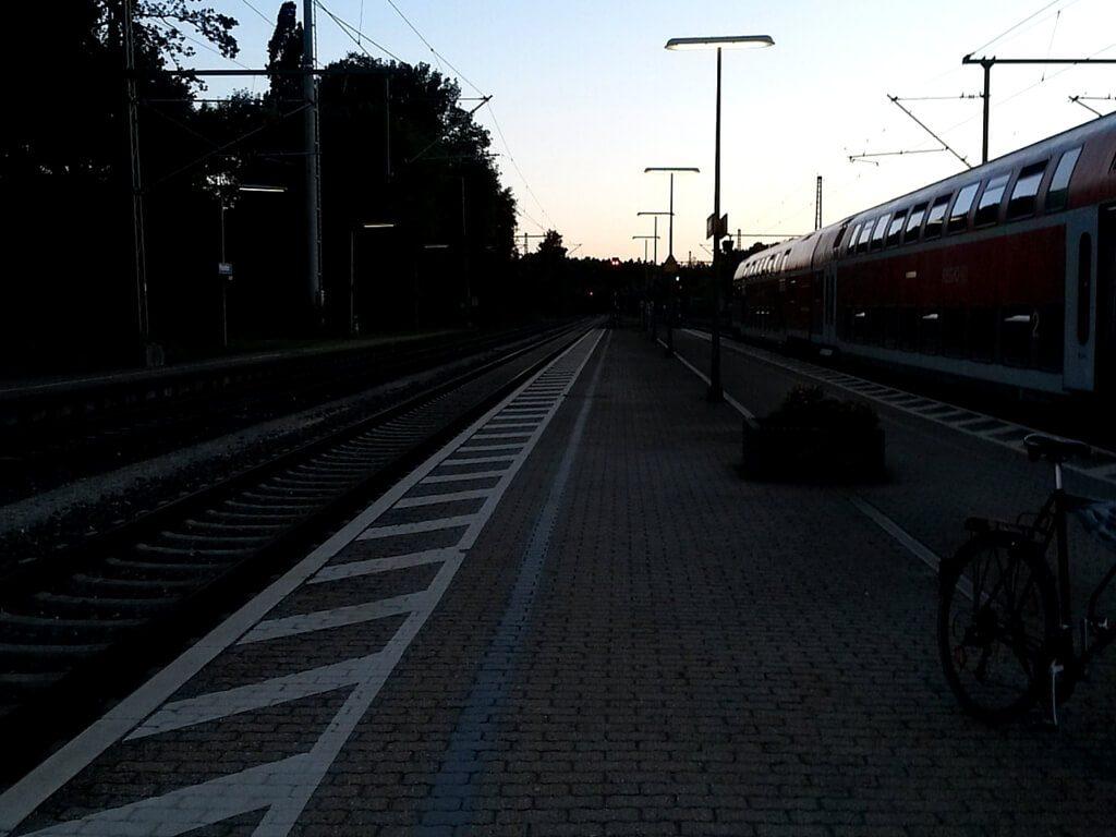 Bahnhof Pleinfeld. An dem es zwar einen Getränkeautomaten aber keine Toiletten gibt.