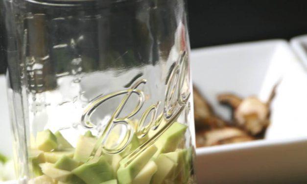 Frische Alltagsküche:<br> Salat mit Semmelknödeln