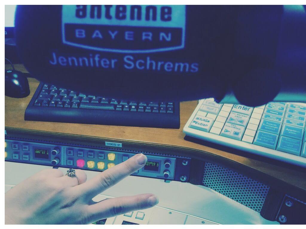 Studiomikrofon von Jennifer Schrems im Antenne Bayern Studio