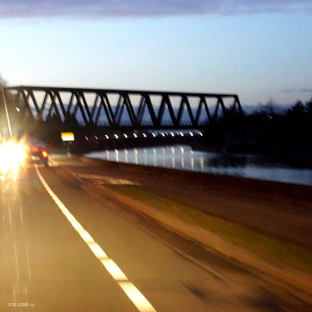 Eisenbahnbrücke über den Main Donau Kanal