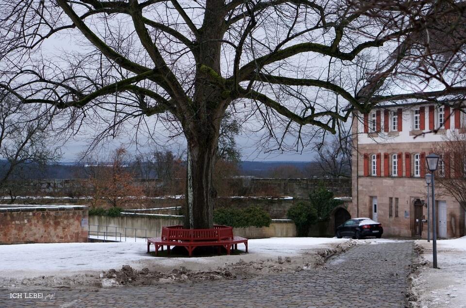 Der Vorhof der Burg Cadolzburg im Winter
