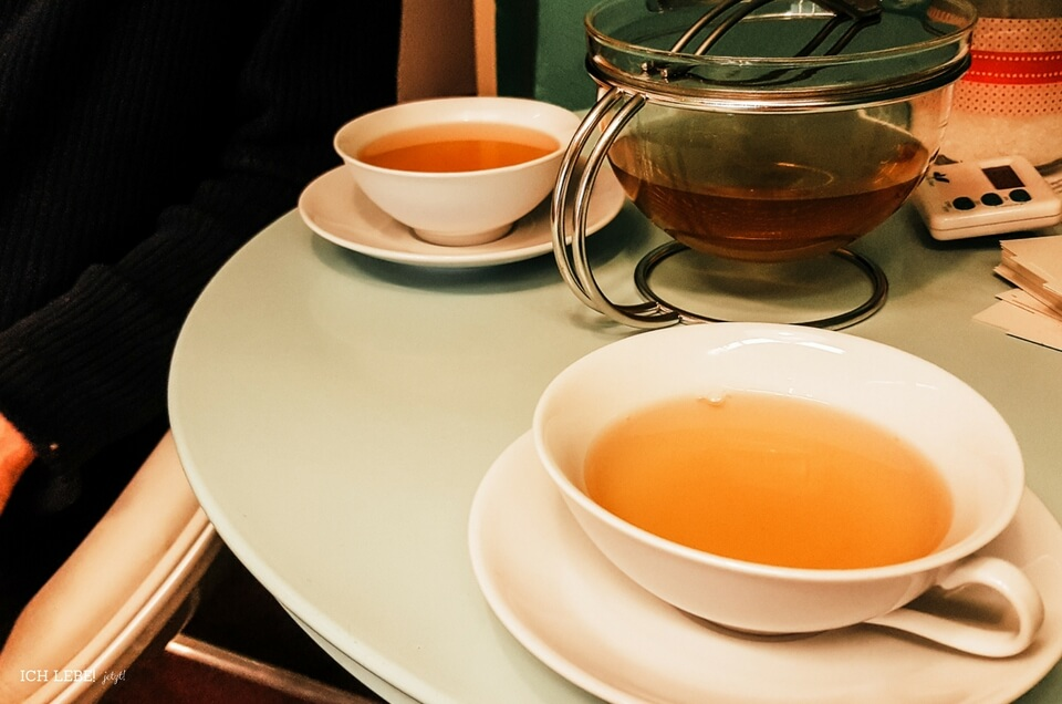 Teestunde bei Evas Teeplantage