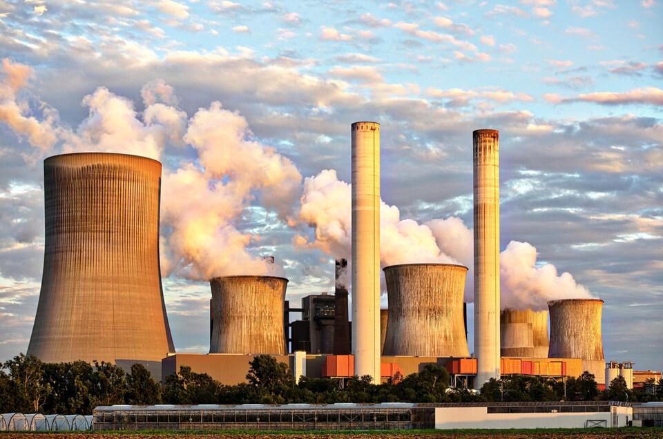 Kraftwerk mit hohem CO2 Ausstoß_Pixabay