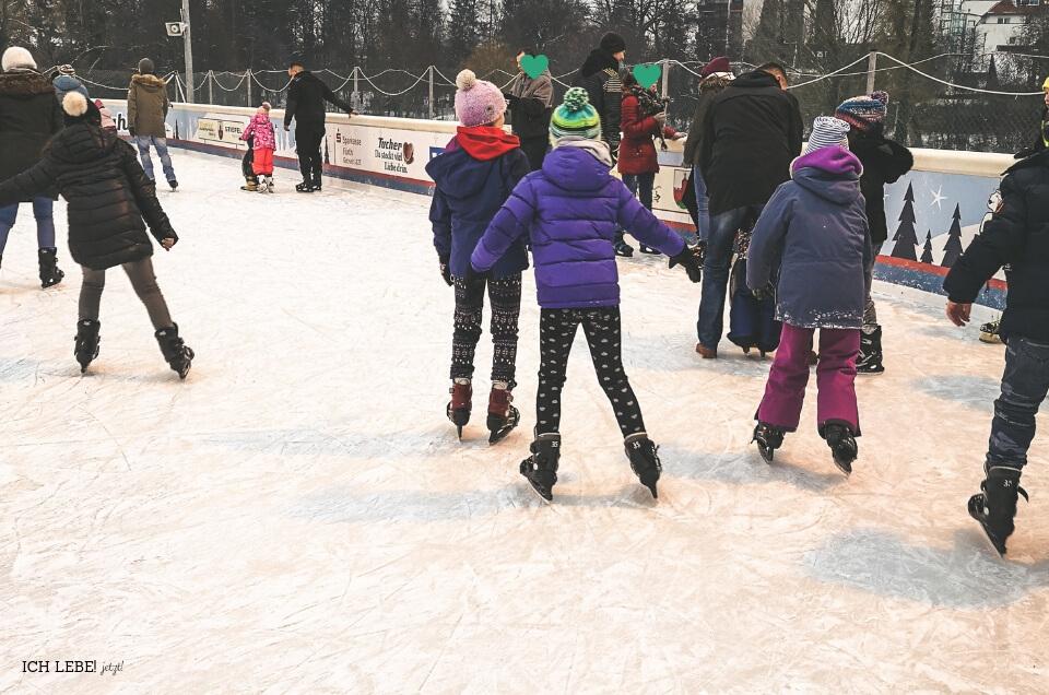 Eislaufen mit Kindern
