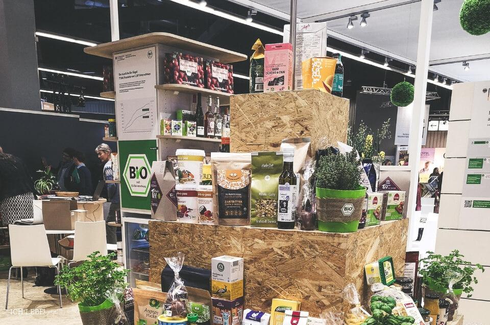 Produkte auf der Biofach Messe.