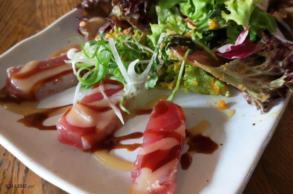 Thunfisch an Salatbett