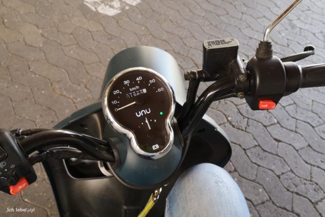 12v12: Mein Roller und ich