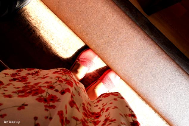 Meine Füße in der Kirche
