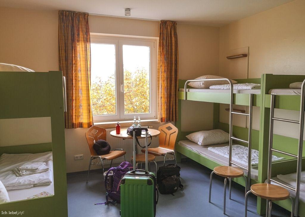 Mein Zimmer in der Jugendherberge Warnemünde.