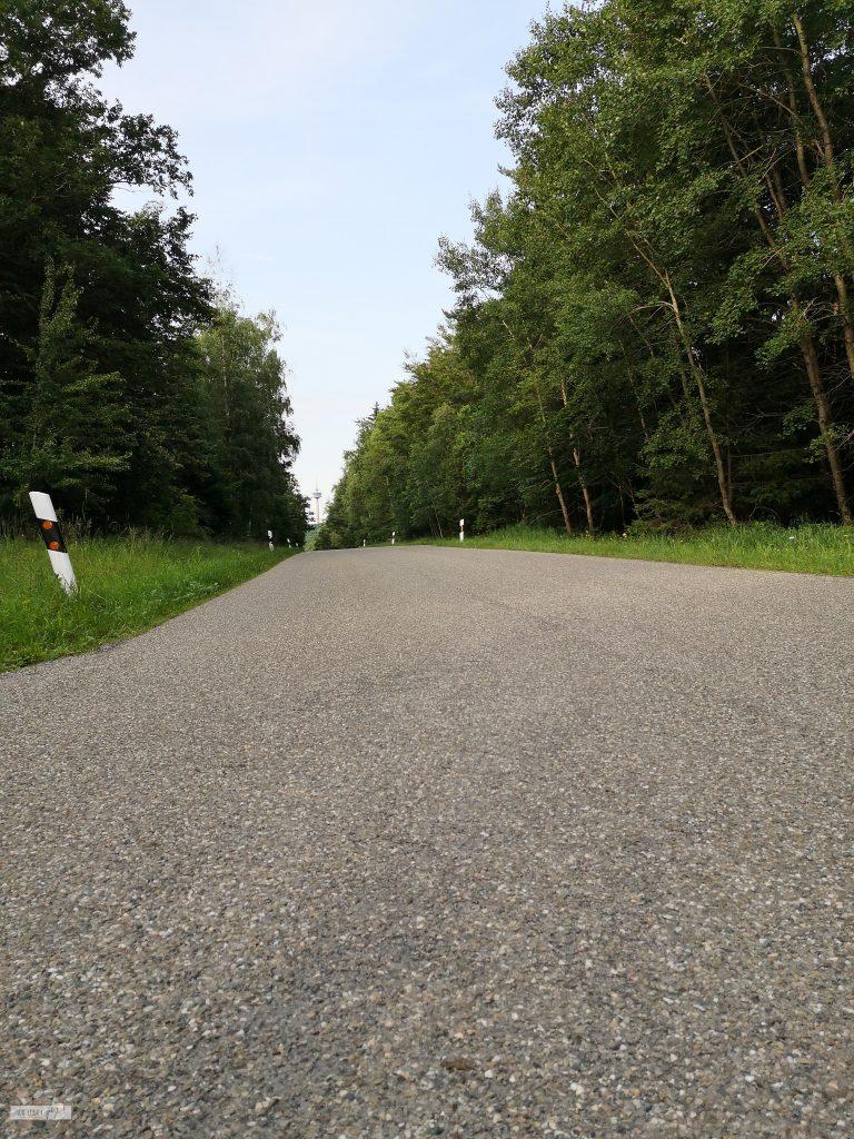 Straße Richtung Burgbernheim